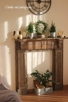 When  we decided to make our fake fireplace  (some other images HERE )   we used old but also new  wood.        Quando  abbiamo deciso di ...