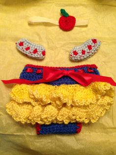 Crochet Snow White Disney Princess baby outfit costume diaper cover sleeves headband