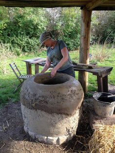 Courses and workshops on how to build your own tandoor and how to cook in a tandoor. Learn to make an authentic outdoor wood fired tandoor.