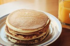 Yes, its possible to make light, fluffy pancakes without eggs. If youre allergic to eggs or avoiding them, youll like this egg-free pancake recipe. Pancakes Sans Gluten, Dairy Free Pancakes, Buttermilk Pancakes, Fluffy Pancakes, Protein Pancakes, Keto Pancakes, Almond Recipes, Dairy Free Recipes, Tortillas Veganas