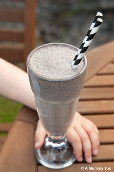 OREO MILKSHAKE!!! This recipe makes three big glasses worth, or six more sensible portions. It's very sweet and has a very distinctive Oreo flavour. Want some?