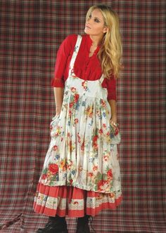 red floral apron and underskirt. this is one of my favorites Sewing Aprons, Sewing Clothes, Boho Fashion, Fashion Dresses, Cute Aprons, Aprons Vintage, Retro Apron, Romantic Outfit, Apron Dress