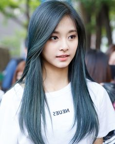 Imagen de blue hair, tzuyu, and 周子瑜 Hair Color Purple, Green Hair, Pink Hair, Korean Hair Color Ombre, Korea Hair Color, Kpop Hair Color, Hair Inspo, Hair Inspiration, Twice Tzuyu