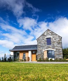 New Build In County Armagh Gable Roof Design, Facade Design, Exterior Design, Bungalow House Design, Modern Bungalow, Cottage House Plans, Dream House Plans, House Designs Ireland, Self Build Houses