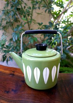 Vintage Green Cathrineholm Tea Kettle, Vintage Mod 1950s or 1960s Tea Pot or Kettle, Great Condition