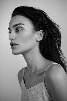 CHRISTINE LUTZ : Photo Model: Carolina Gonzales c/o Modelwerk Stylist: Alexandra Klar  Beauty Fashion Editorial Model Modelagency Fashionphotographer bnw