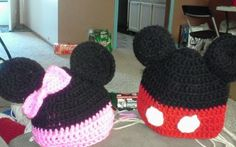 crochet miney and mickey mouse hats