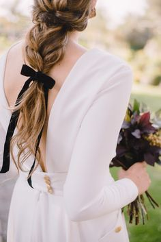 There's something really special about the combination of V-back gowns & loose. Girly Hairstyles, Wedding Hairstyles For Long Hair, Wedding Hair And Makeup, Vintage Hairstyles, Pretty Hairstyles, Braided Hairstyles, Hair Makeup, Cut Her Hair, Love Hair