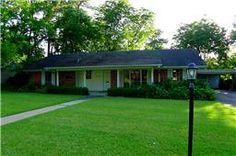 2010 avenue q, huntsville,  77340