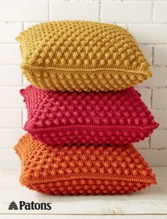 Discover thousands of images about Free Crochet Bobble-licious Pillows Pattern - Crochet Bobble Stitch - 30 Free Crochet Patterns - DIY & Crafts Crochet Diy, Crochet Bobble, Manta Crochet, Crochet Home Decor, Crochet Crafts, Diy Crafts, Crochet Granny, Afghan Crochet, Granny Granny