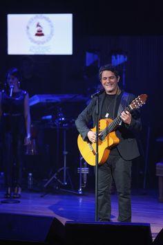 Alejandro Sanz en el Acustic Sessions Latin Grammys en México