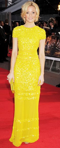 Elizabeth Banks Sizzles in Sexy Backless Yellow Gown Elizabeth Banks, Liz Banks, Yellow Fashion, Red Carpet Fashion, Looks Style, My Style, Yellow Gown, Mellow Yellow, Bright Yellow