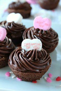 Mini Brownie Bites, Brownie Bites Recipe, Mini Brownies, Brownie Bar, Valentine Desserts, Valentines Food, Valentine Treats, Yummy Treats, Yummy Food
