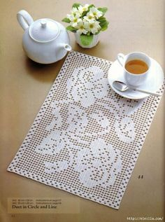 Start a home based interior design business - Crochet Filet Filet Crochet Charts, Crochet Doily Patterns, Thread Crochet, Crochet Designs, Crochet Doilies, Knit Crochet, Crochet Ideas, Crochet Table Runner, Crochet Tablecloth