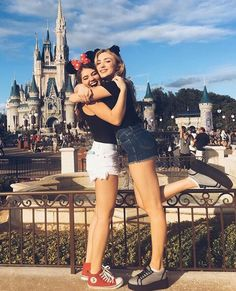 Pinterest: Melanie Escobedo Disneyland Is such happy place where the dreams come true like said Walt.