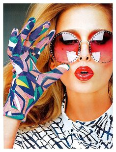Asymetric prints and Amazing glasses!