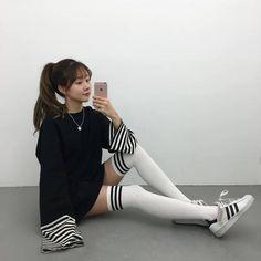 asian fashion Imagem de asian, casual, and kstyle Ulzzang Fashion, Kpop Fashion, Ulzzang Girl, Cute Fashion, Asian Fashion, Girl Fashion, Fashion Outfits, Fashion Tips, Fashion Trends
