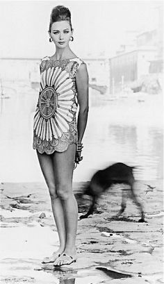Ina Balke wearing a tunic top by Pucci, Florence, Italy, 1962. Photo by Regina Relang. 60s summer style.