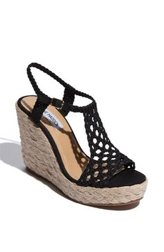 New York Fashion Week SS cute wedges Heels love the shoes Cute Shoes, Me Too Shoes, Wedge Shoes, Shoes Heels, Wedge Sandal, Cute Wedges, Black Wedges, Kinds Of Shoes, Crazy Shoes