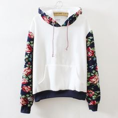 Sweatshirt with flowers on the hood and sleeves.