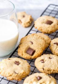 These gluten free, dairy free, egg free almond cookies are chewy and delicious. So much flavor in every bite, you won't believe how good they are! Plus, these paleo cookies are unbelievably easy to make. Keto Cookies, Cookies Healthy, Almond Meal Cookies, Gluten Free Cookies, Chip Cookies, Gluten Free Recipes, Vegan Recipes, Homemade Cookies, Gourmet Recipes