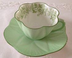 Shelley verde rosa y Margarita taza de té y por NicerThanNewVintage