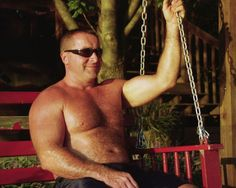 Carolina Jim resting his thick muscles GLOBALFIGHT DVDs
