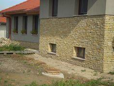 Mediterrán ház ürömi kővel borítva Garage Doors, Stone, Outdoor Decor, Home Decor, Projects, Homemade Home Decor, Interior Design, Home Interiors, Rocks
