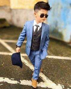 Engjiandy 🍀 —: - Me Fat Bajrami 😍 - Happy Eid 😍 Stylish Kids Fashion, Toddler Boy Fashion, Little Boy Fashion, Stylish Boys, Fashion Kids, Little Boy Outfits, Toddler Outfits, Baby Boy Outfits, Boys Dressing Style