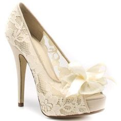 Gorgeous cream lace shoes Love the Vintage looking lace on this shoe! Perfect for a bride!