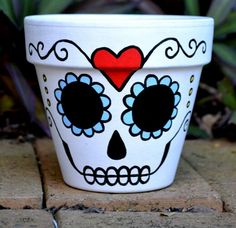 Day of the Dead flower pot planter Sugar Skull catrina Halloween decor found on Etsy Clay Pot Projects, Clay Pot Crafts, Fall Halloween, Halloween Crafts, Halloween Decorations, Painted Flower Pots, Painted Pots, Skull Planter, Fleurs Diy