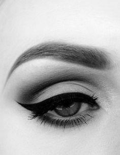 makeupartistsmeet: Winged Eye