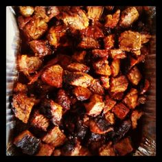 Kansas City Burnt Ends - Cube the point of a smoked brisket. Coat with BBQ sauce, and put on the smoker for about an hour. Grilling Recipes, Beef Recipes, Cooking Recipes, Smoker Recipes, Recipies, Fish Casserole, Green Egg Recipes, Smoked Brisket, Man Food
