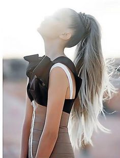 Pull your hair into a high ponytail. With a strand of hair of the ponytail, make a braid that you will twist around the base of the ponytail. Love Hair, Great Hair, Gorgeous Hair, Amazing Hair, Gorgeous Blonde, Ponytail Hairstyles, Pretty Hairstyles, Straight Hairstyles, Hair Ponytail