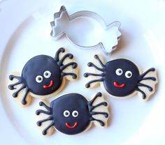 Munchkin Munchies: Halloween spiders [using candy cutter]