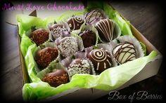 Chocolate Dipped Strawberries Chocolate Dipped Strawberries, Strawberry Dip, Love Chocolate, Dips, Muffin, Breakfast, Sweet, Food, Breakfast Cafe