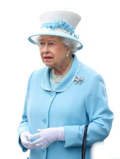 Pin for Later: Elizabeth II d'Angleterre: le Guide de Ses Nombreuses Expressions Faciales Quand Quelqu'un Lui Demande de Retirer Son Chapeau