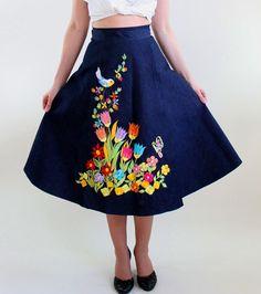 Sale - 1970s Dark Denim Embroidered Wrap Skirt. Boho. Floral Fashion. Bright. Spring Fashion. Summer Fashion. Size Medium