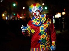 These Creepy Clowns Will Haunt Your Dreams (43 photos)