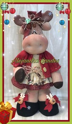 Felt Christmas Ornaments, Christmas Gnome, Christmas Crafts, Diy And Crafts, Crafts For Kids, Reindeer, Cow, Sewing Patterns, Projects To Try