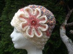 Zimná hačkovaná čiapka s kvetom