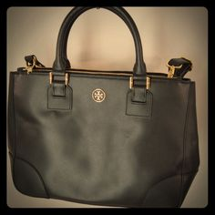 Tory Burch Double Zip Robinson New! Used around the house with my stuff (haha)I have dustbag and shopper bag it came home with. It's about 2 months old. NO TRADES NO LOWBALLS! Tory Burch Bags Satchels