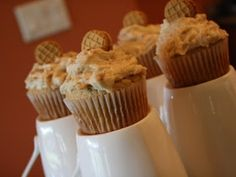 The Pioneer Mom: Nutter Butter Cupcakes ~ Yes, They're THAT Good!