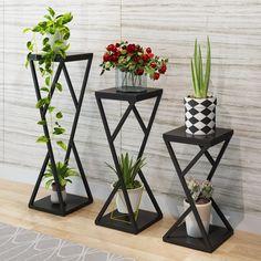 Iron Furniture, Steel Furniture, Home Decor Furniture, Diy Home Decor, House Plants Decor, Plant Decor, Floor Shelf, Metal Plant Stand, Modern Plant Stand