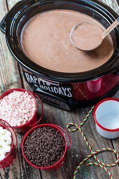 Slow Cooker Hot Cocoa Crockpot Hot Chocolate, Hot Chocolate Bars, Hot Chocolate Recipes, Chocolate Food, Chocolate Making, Mexican Hot Chocolate, Homemade Hot Chocolate, Hot Chocolate Crock Pot Recipe, Crockpot Hot Cocoa Recipe