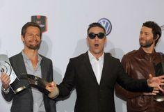 Robbie Williams mit (ehemaligen) Band-Kollegen (Bild: dpa)