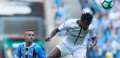 Cássio pega pênalti, Corinthians bate Grêmio no Sul e dispara na liderança - Futebol - UOL Esporte