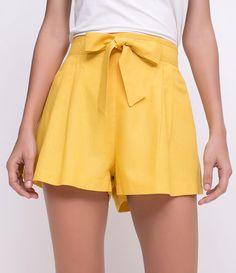 Short feminino Modelo clochard Com amarração Com bolso Marca: Blue Steel Tecido: Linho Composição: 70% Viscose, 27% Linho e 3% Elastano Modelo veste tamanho: 36 Medidas da Modelo: Altura: 1,71 Busto: 84 Cintura: 61 Quadril: 88 COLEÇÃO VERÃO 2018 Veja outras opções de shorts femininos.