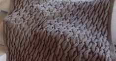 Chunky Aran Cable Blanket    This pattern is available as a free download...     Download Pattern: Chunky Aran Cable Blanket