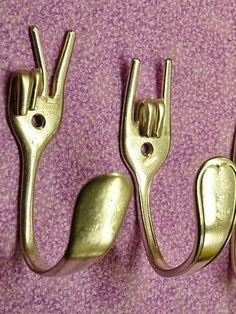 DIY fork hangers. Great to hang your kitchen towels!